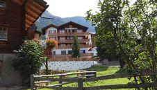 B + B Hotel Alpina